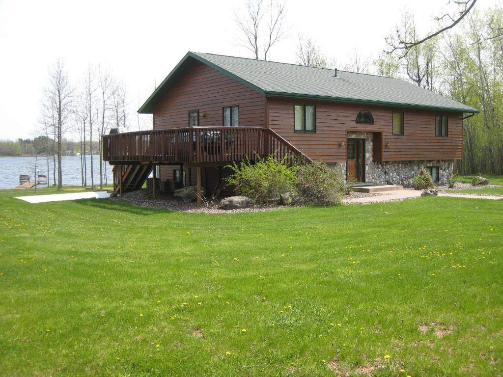 1366 Lake Hill Drive, Cromwell, MN 55726