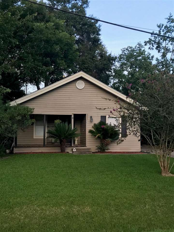 721 Marion, Port Neches, TX 77651