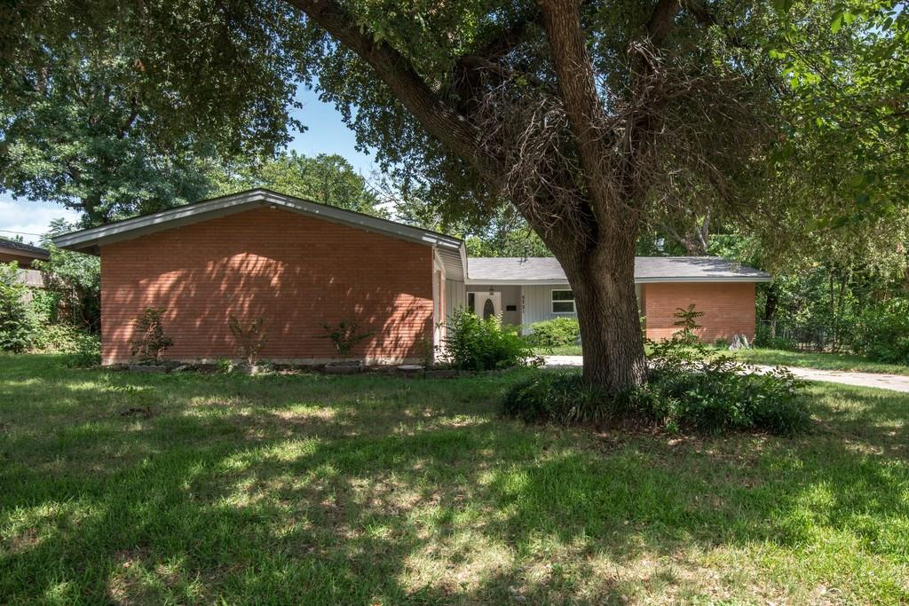 5721 Walla Avenue, Fort Worth, TX 76133