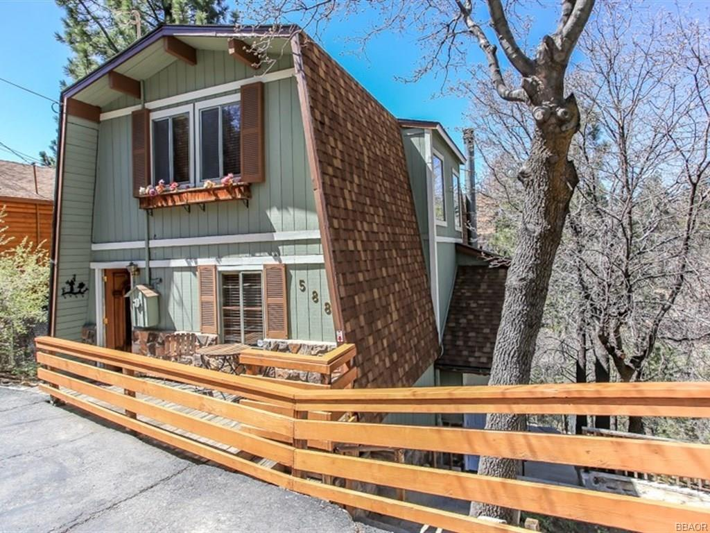 588 Villa Grove Avenue, Big Bear City, CA 92314