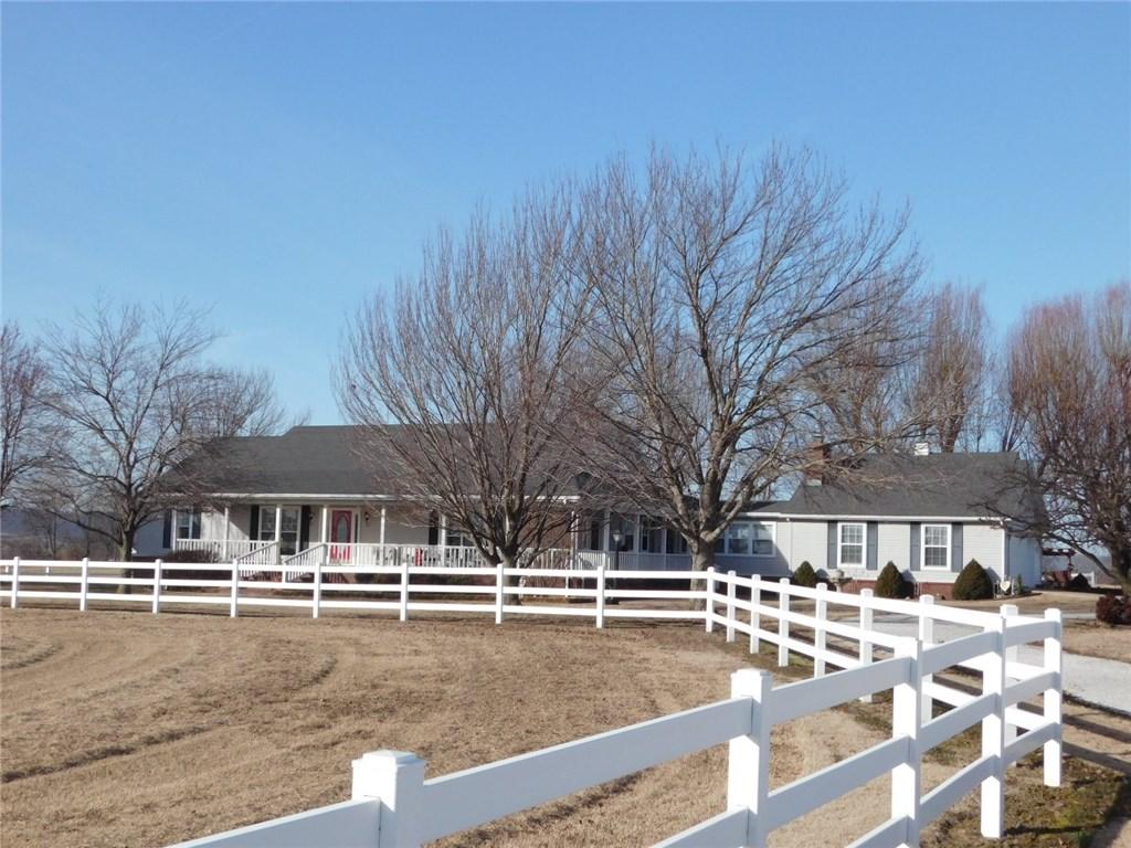 11021 Viney Grove RD, Prairie Grove, AR 72753