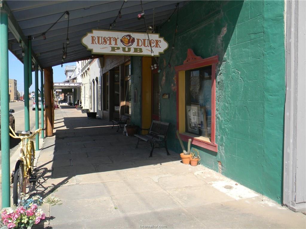 512 S Main Street, Calvert, TX 77856