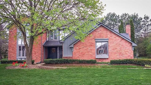9839 HILLCREST Drive, Plymouth Twp, MI 48170