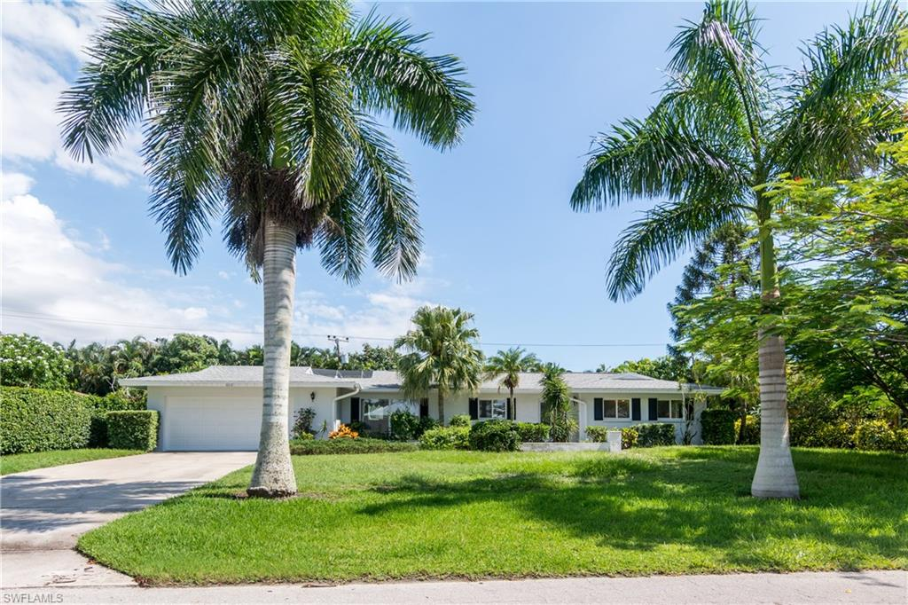 600 Wedge DR, NAPLES, FL 34103