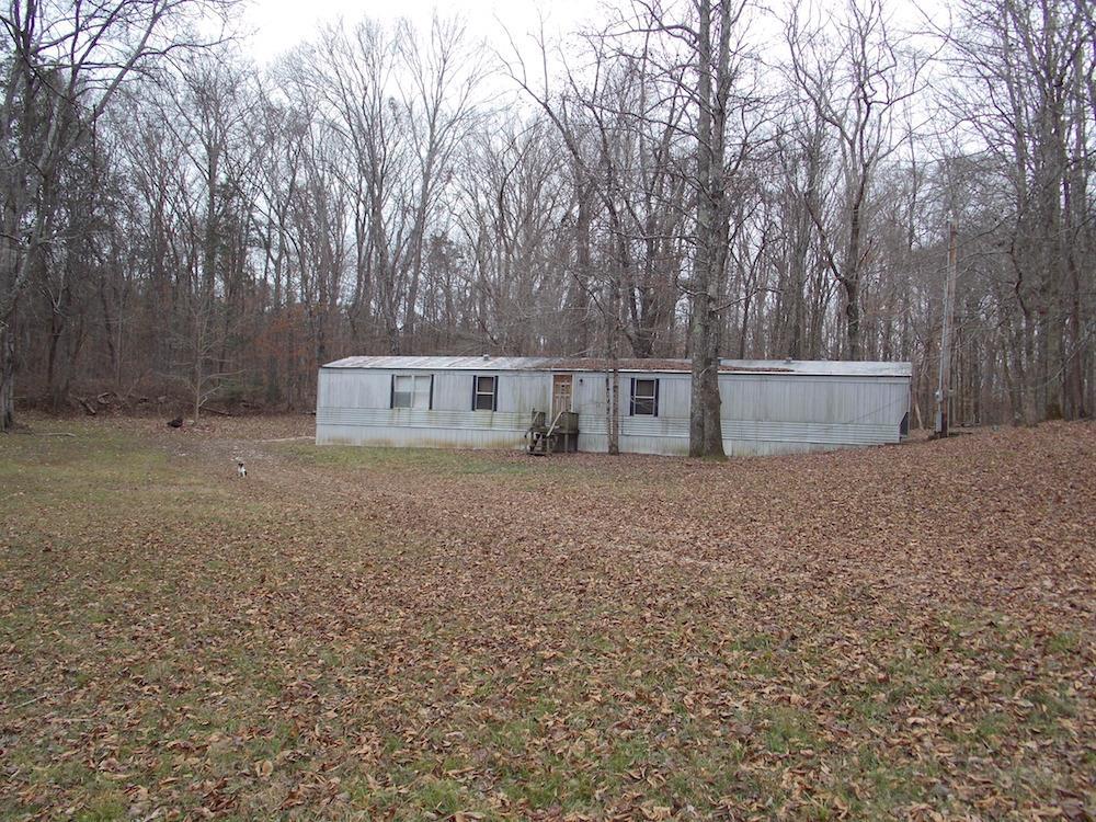 752 Jennings Bluff Rd, Linden, TN 37096