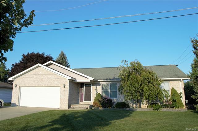 35092 WRIGHT Circle, Sterling Heights, MI 48310
