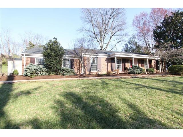 900 Revere Drive, Town and Country, MO 63141
