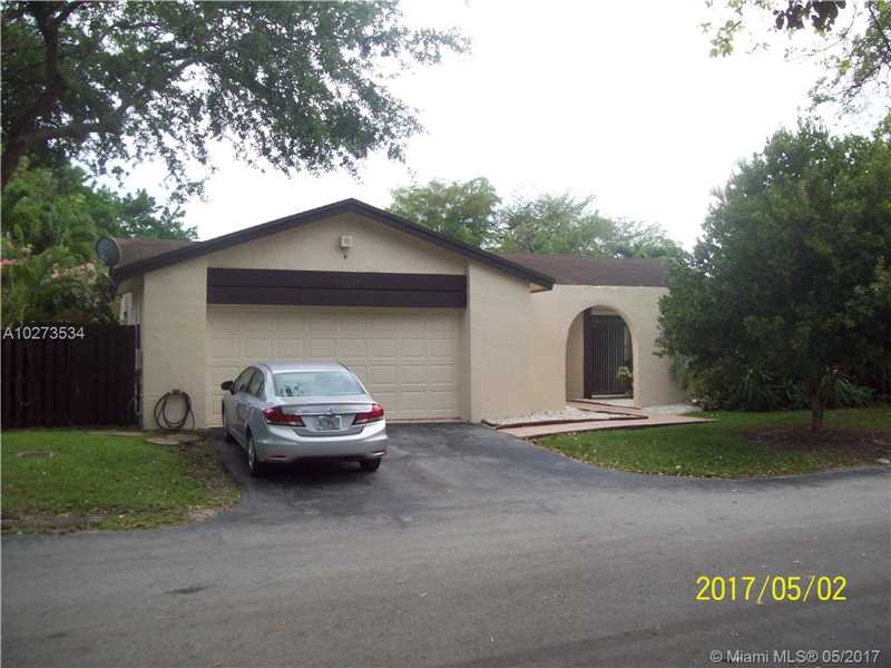 10829 SW 132nd Cir Ct, Miami, FL 33186
