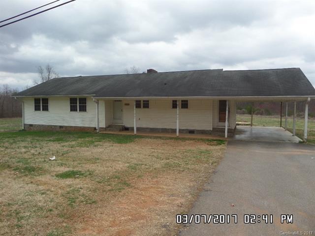 706 N Main Street, Dobson, NC 27017