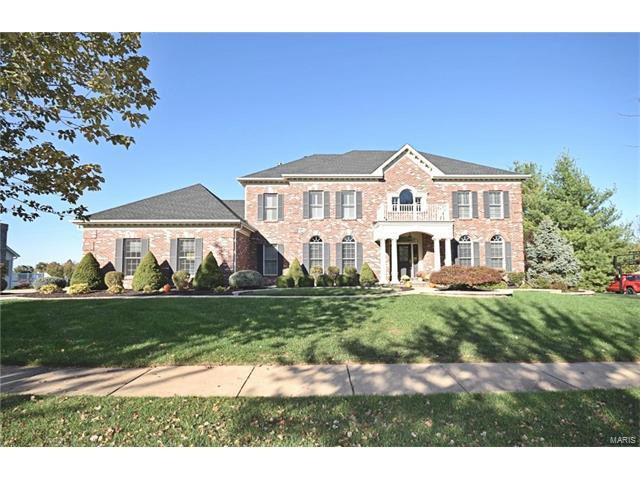 1036 Greystone Manor, Chesterfield, MO 63005