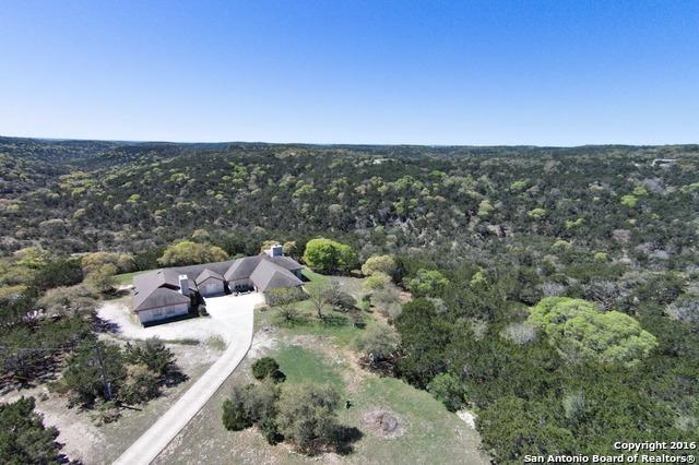 998 Mountain Creek Rd, Pipe Creek, TX 78063