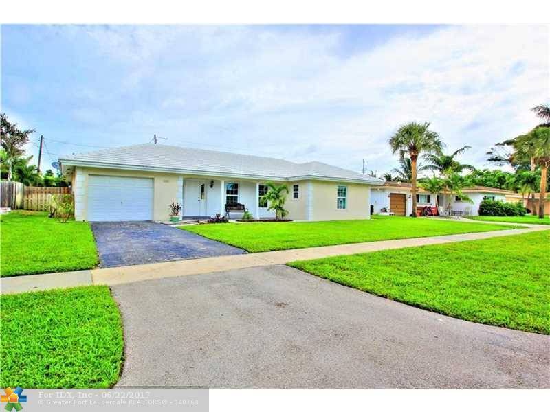 111 Palamino Cir, Boca Raton, FL 33487