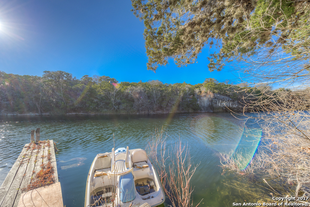 1371 MADRONA RANCH RD, Pipe Creek, TX 78063
