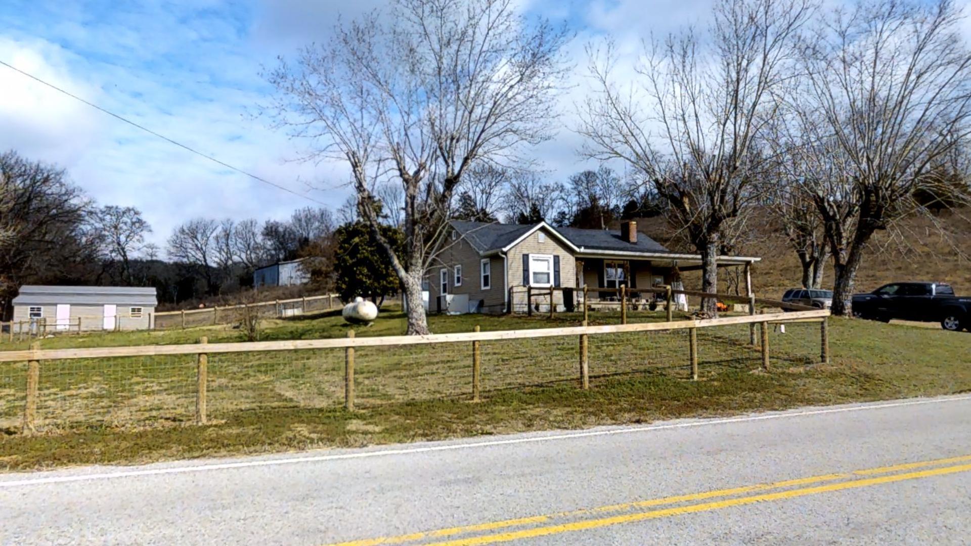 1720 Hickman Rd, Hickman, TN 38567