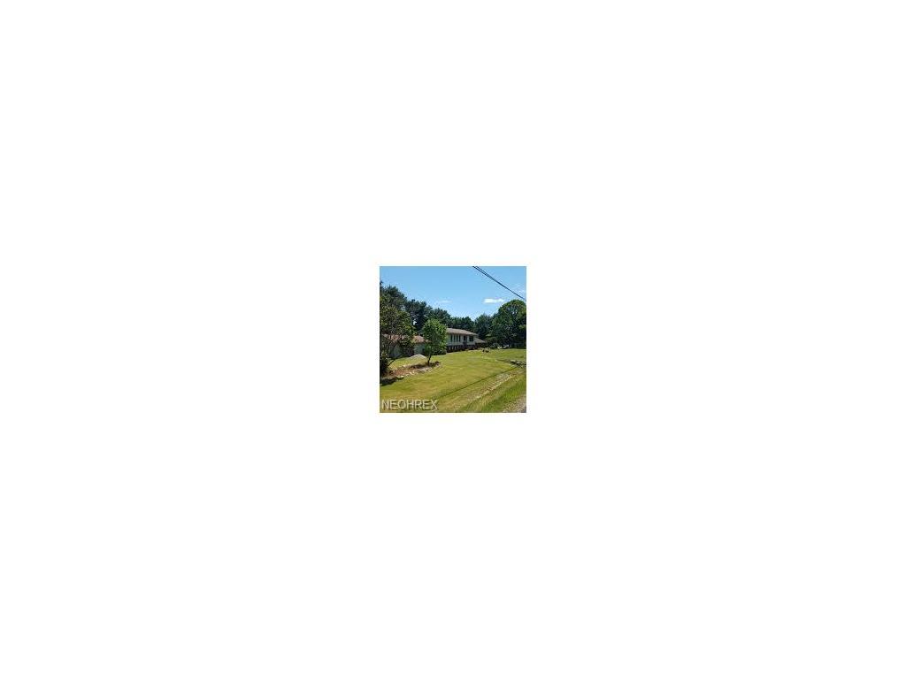 2445 Pine Lake Trl, Uniontown, OH 44685