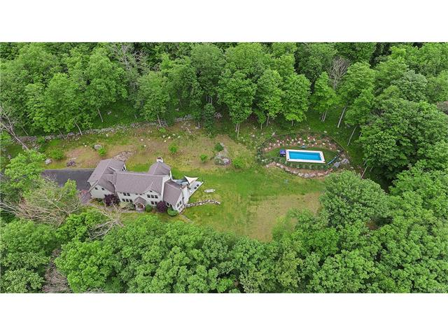 24 Canopus Hill Road, Putnam Valley, NY 10579