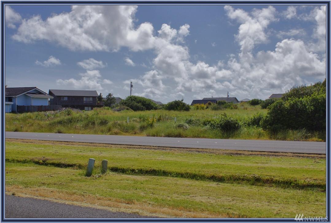 927 Ocean Shores Blvd, Ocean Shores, WA 98569