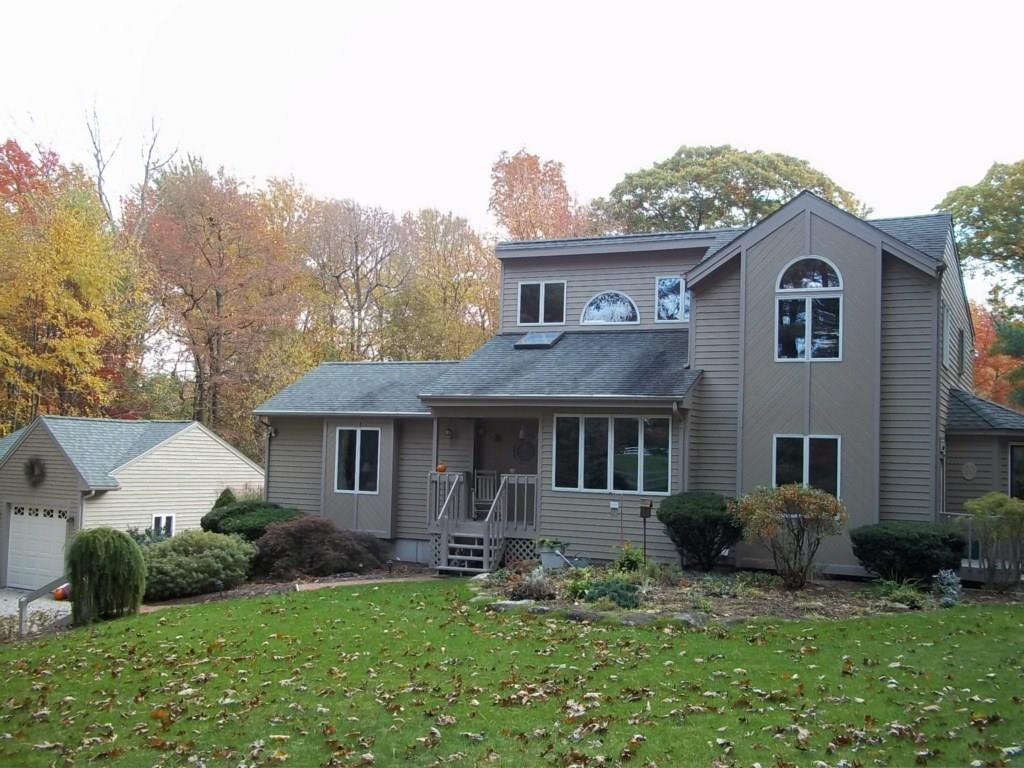 140 Joe Sweet RD, Glocester, RI 02814