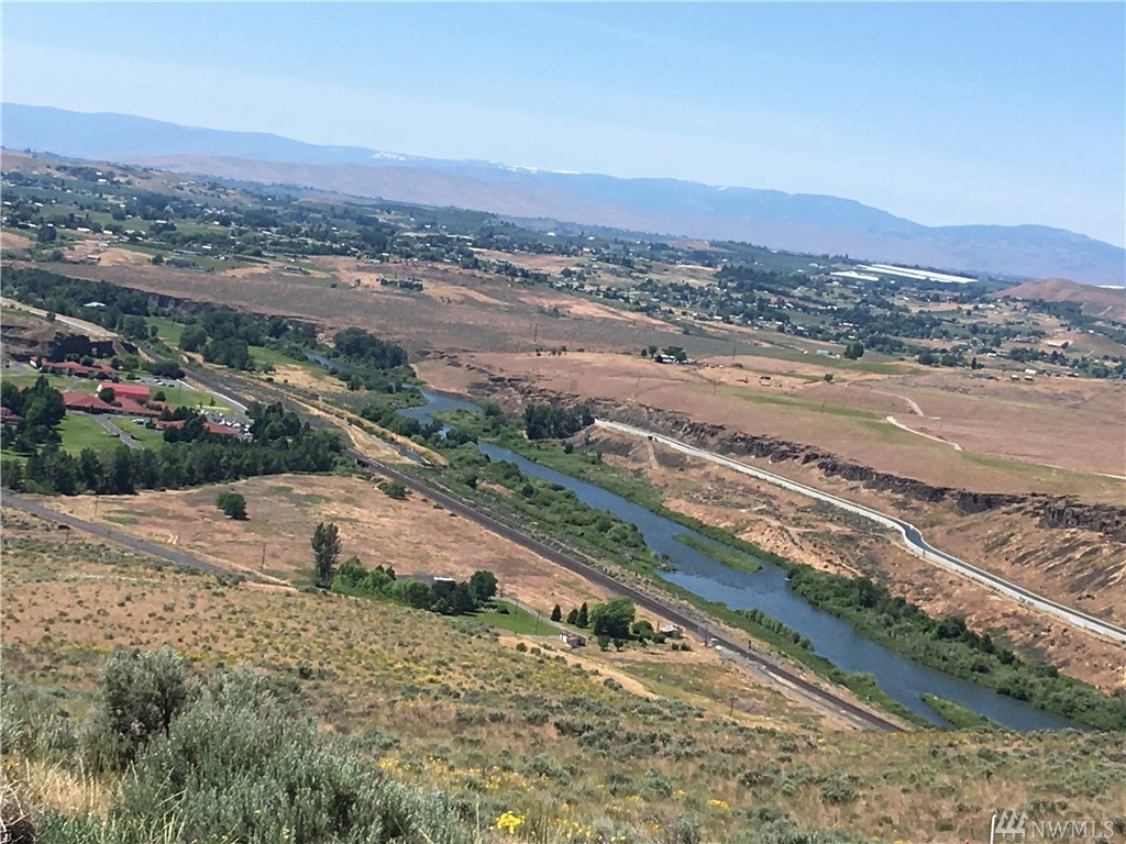 70 Selah Creek Dr, Selah, WA 98942