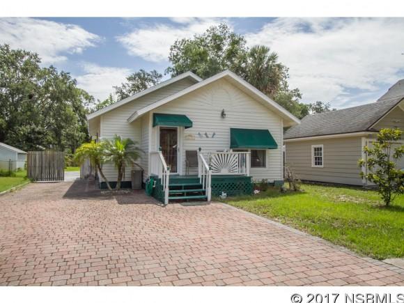 813 Live Oak St, New Smyrna Beach, FL 32168