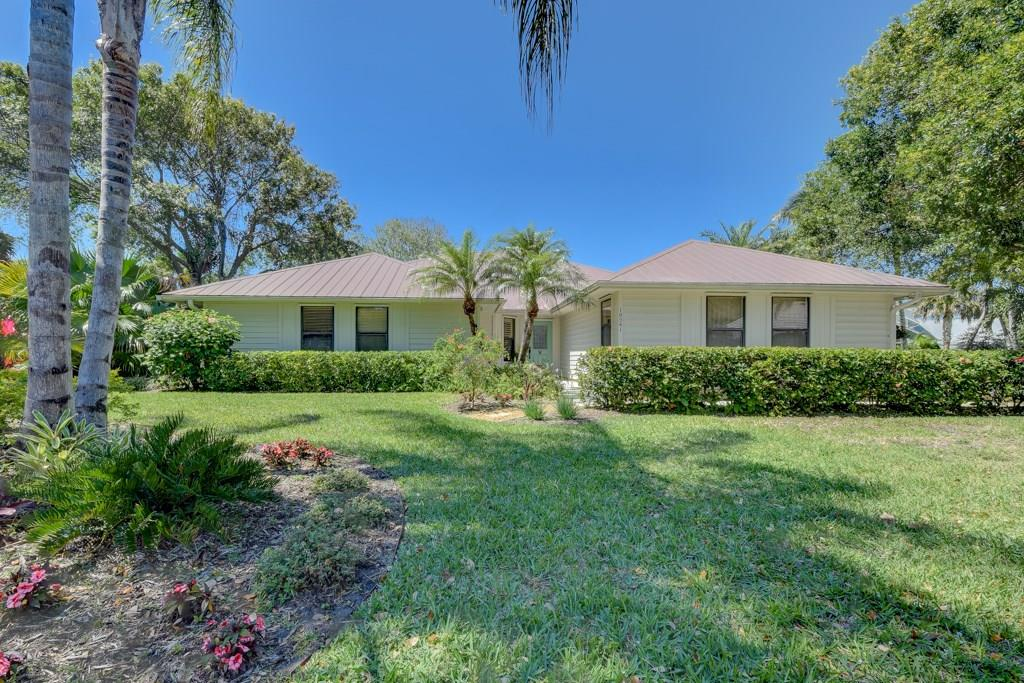 10541 SE Jupiter Narrows Drive, Hobe Sound, FL 33455