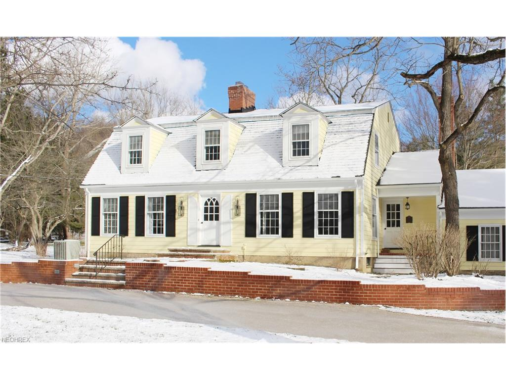 1063 Chagrin River Rd, Gates Mills, OH 44040