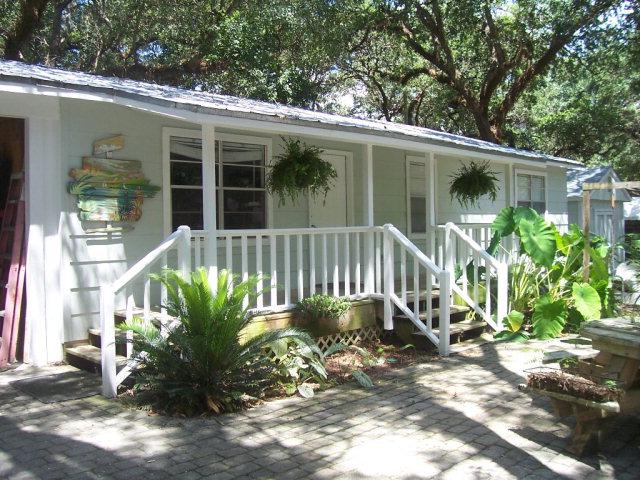 1525 Knob Hill Dr, Gulf Shores, AL 36542
