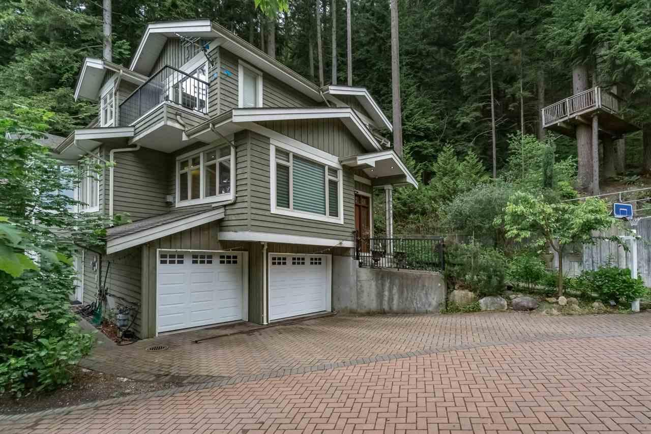 1255 MCNAIR STREET, North Vancouver, BC V7K 0A1