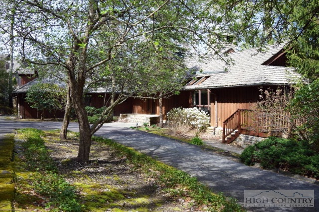 110 Mountain View, Linville, NC 28646