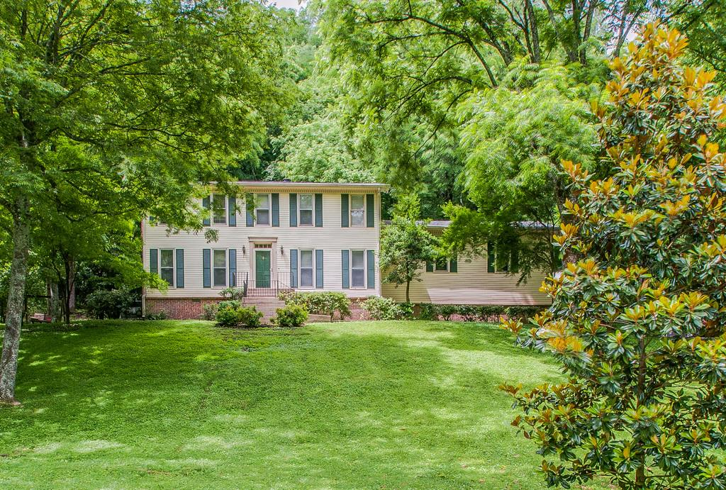 1992 Sunny Side Dr, Brentwood, TN 37027