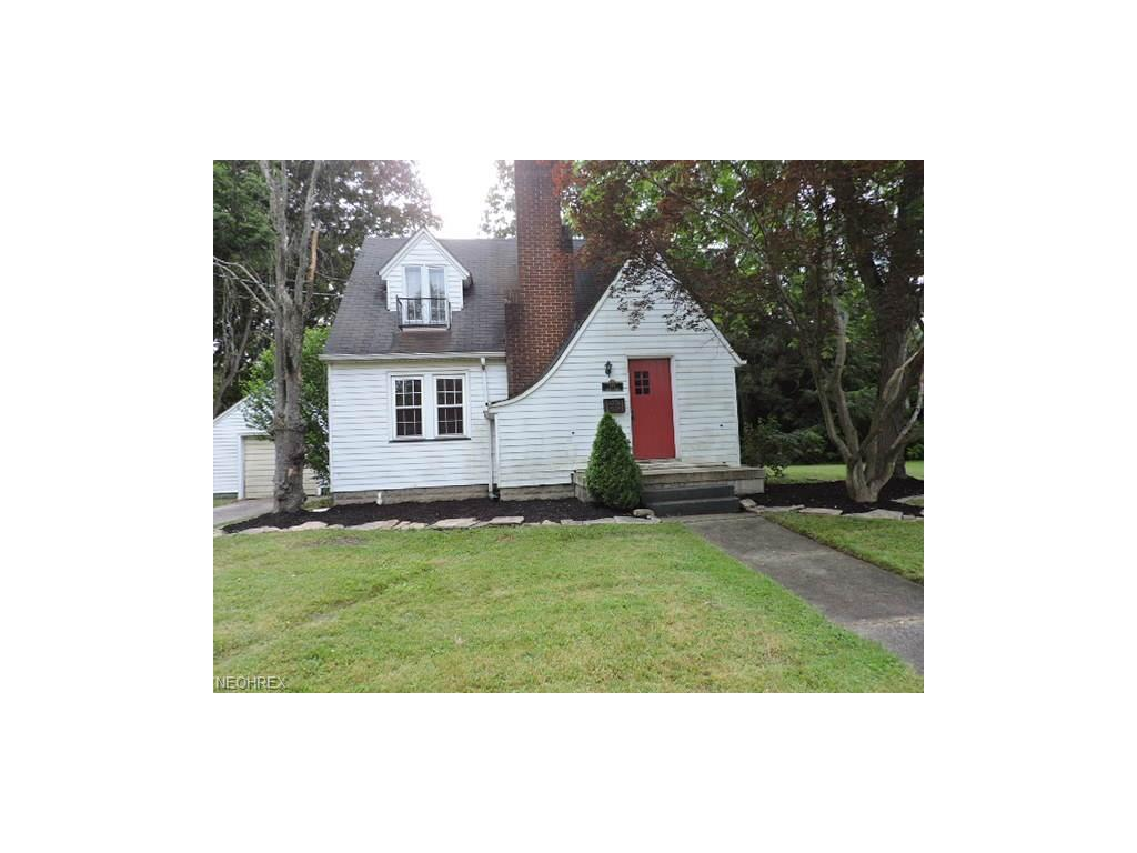 855 Lincoln Ave, Niles, OH 44446