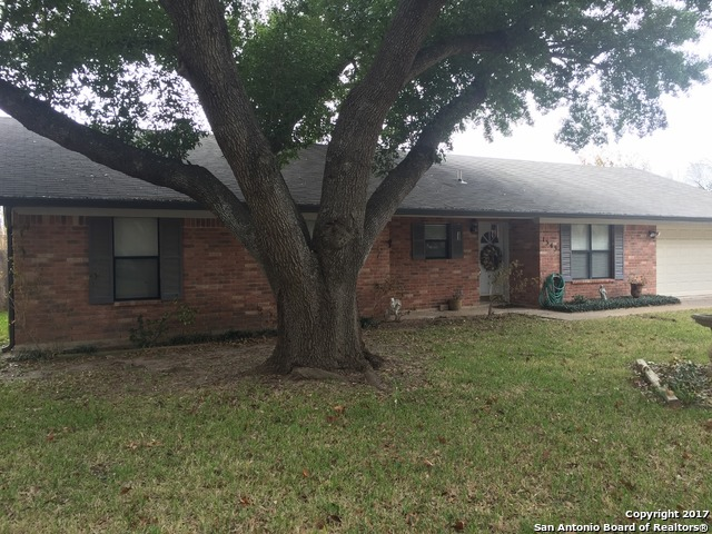 1343 MEADOWLARK, Pleasanton, TX 78064