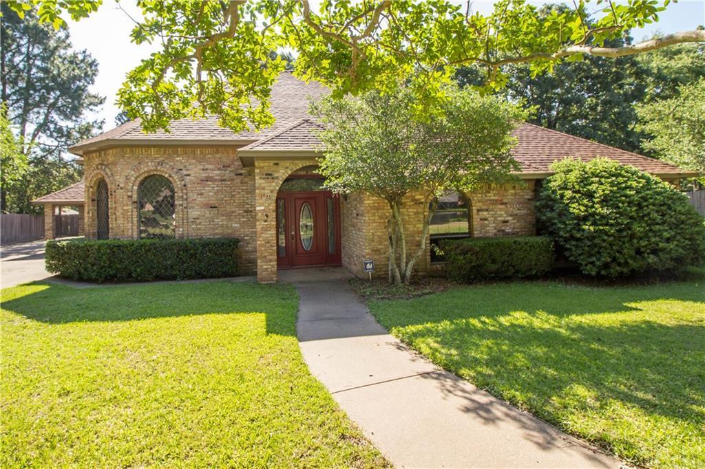 1121 Hillside Drive, Athens, TX 75751