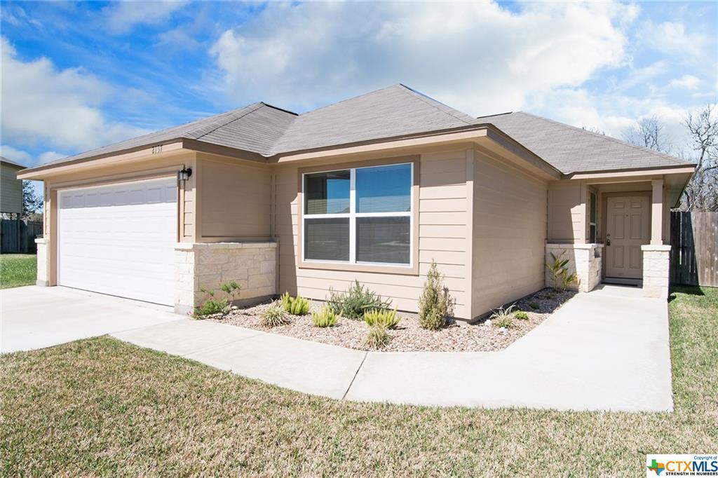 2137 Yellow Rose Way, Gonzales, TX 78629