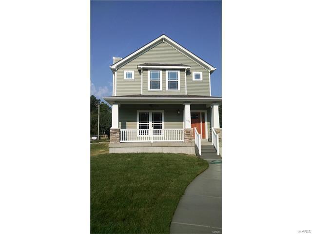 831 Greeley, Webster Groves, MO 63119