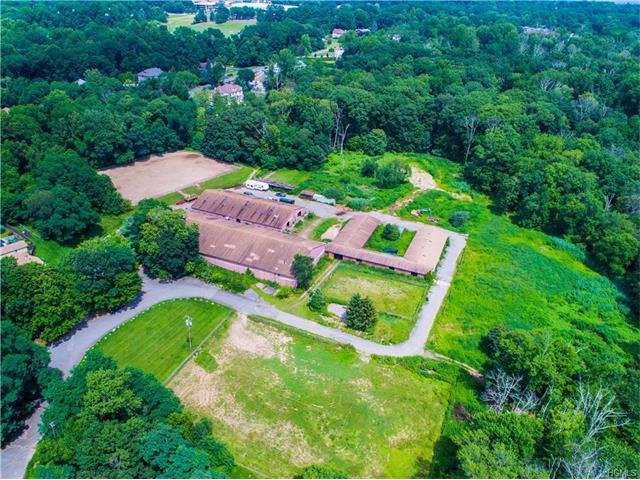 8 Stonehedge Farm Road, Montebello, NY 10901