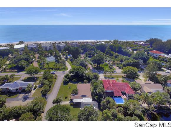 215 Palm Lake Dr, Sanibel, FL 33957
