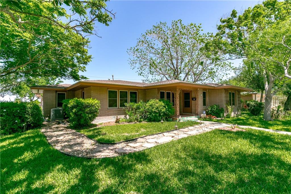 111 Ashburn Ave, Robstown, TX 78380