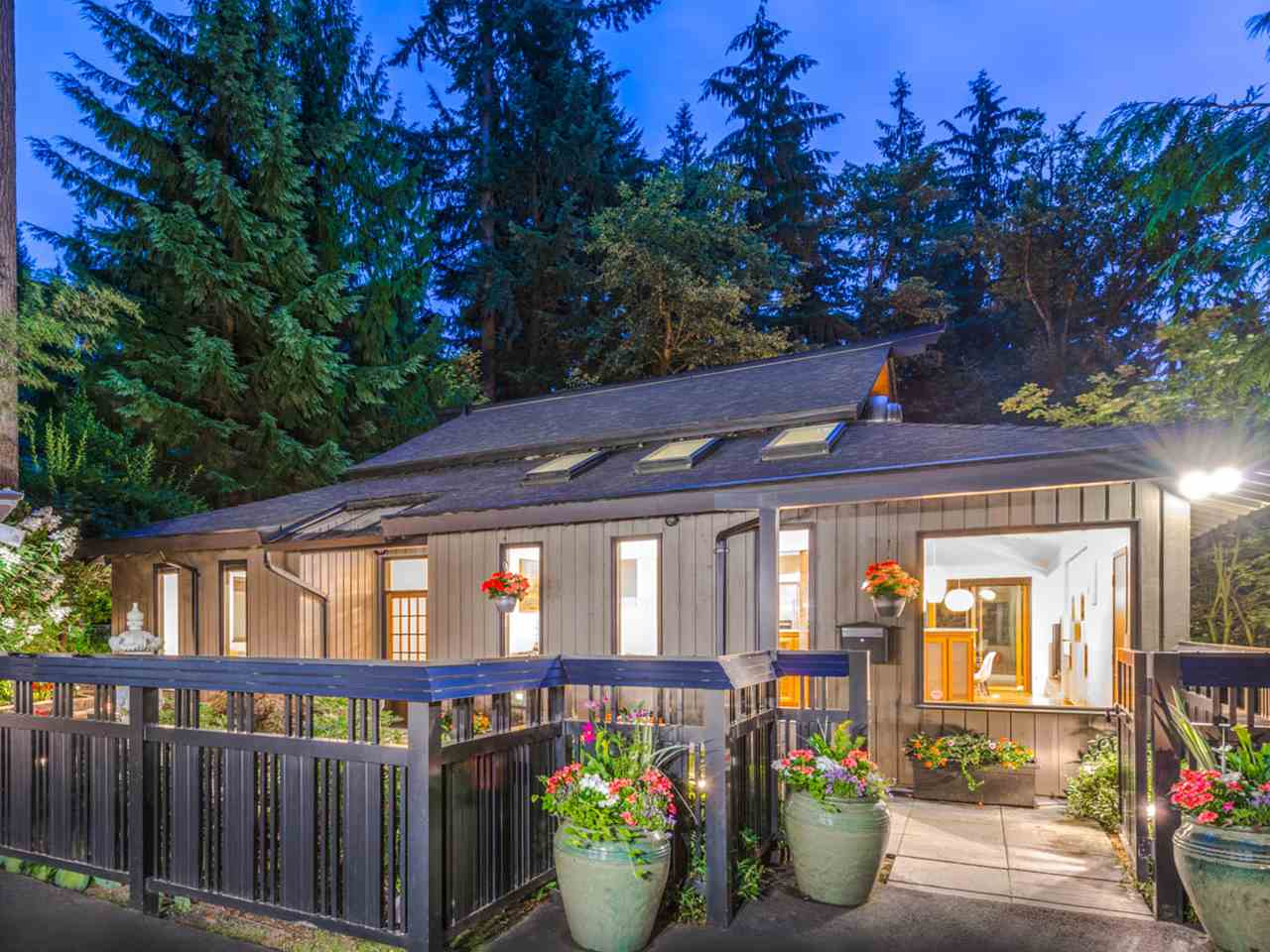 329 CARTELIER ROAD, North Vancouver, BC V7N 3B6