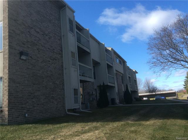 30445 W 14 Mile, Unit #60 RD, Farmington Hills, MI 48334