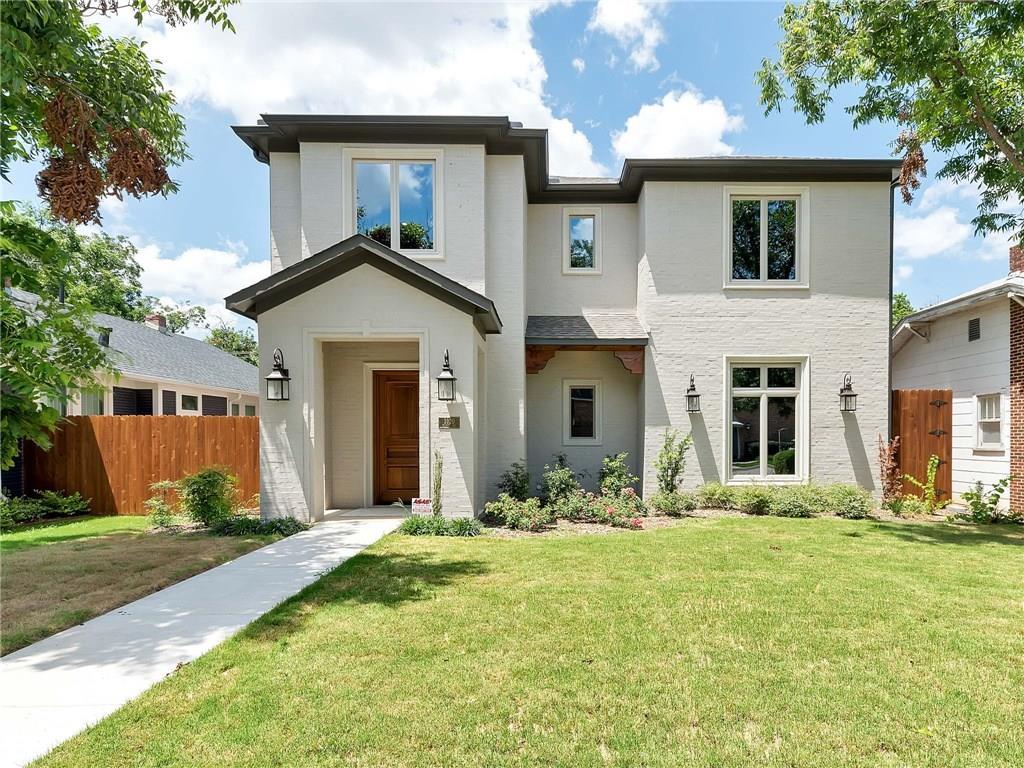 3920 Clarke Avenue, Fort Worth, TX 76107