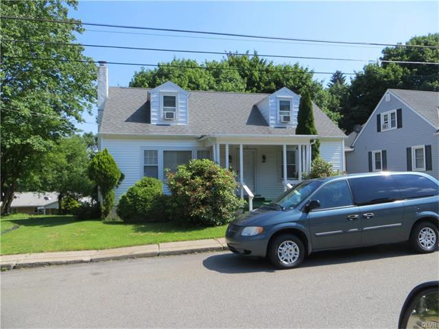 118 E Laurel Avenue, Pen Argyl Borough, PA 18072