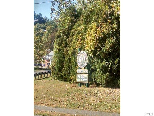 Aspetuck Ridge Road, New Milford, CT 06776