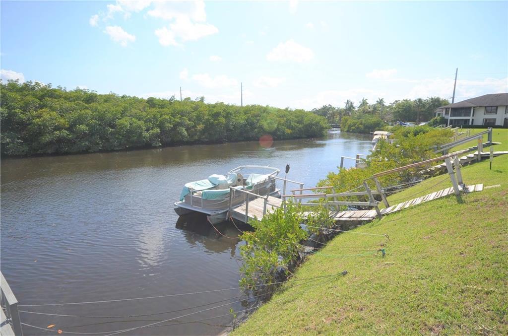 950 S Kanner Highway 501, Stuart, FL 34994