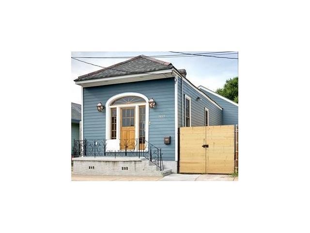 3215 CHARTRES Street, New Orleans, LA 70117