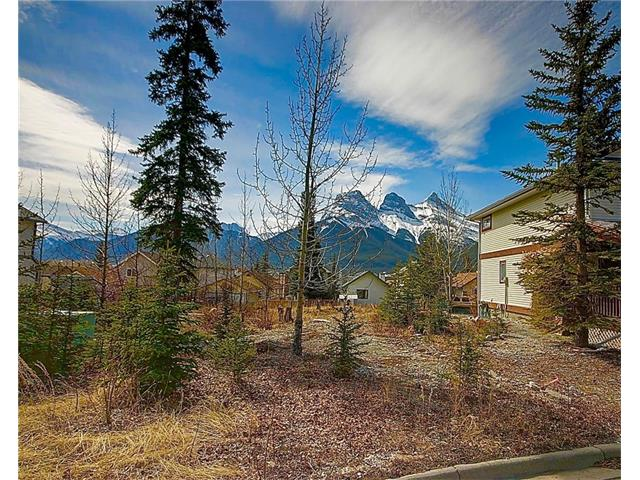 33 Riverstone Road, Canmore, AB T1W 1J4