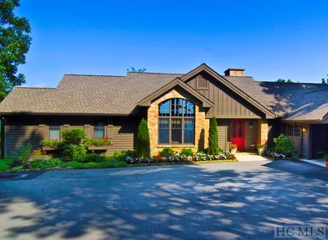 100 Meadow Ridge, Lake Toxaway, NC 28747