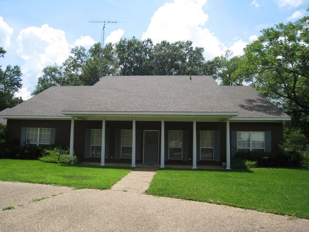 328 Kickapoo Street, Frankston, TX 75763