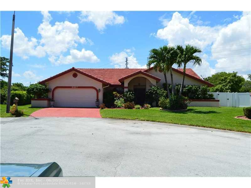 8427 NW 80th Ct, Tamarac, FL 33321