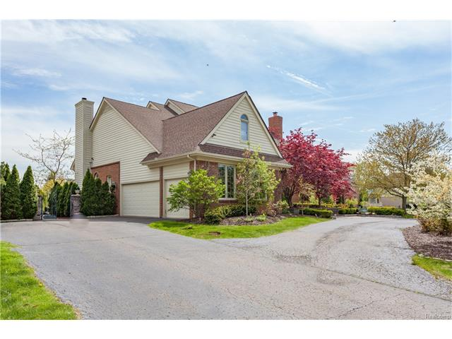 4915 PEGGY ST, West Bloomfield Twp, MI 48322